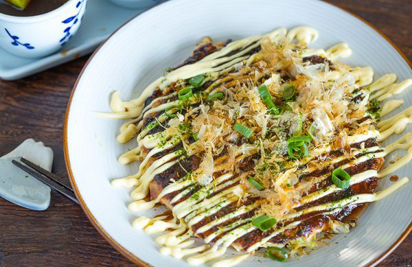 What's cooking: Trend 'EXPERIENCE' - A mayonnaise restaurant! - www.morethanmayo.com/trend-beleving-m…naise-restaurant | image: okonomiyaki, source: justonecookbook.com