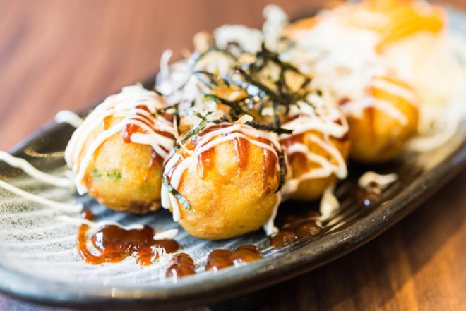 What's cooking: Trend 'EXPERIENCE' - A mayonnaise restaurant! - www.morethanmayo.com/trend-beleving-m…naise-restaurant   image: takoyaki, source: culy.nl