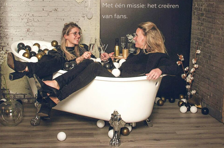 3 Vragen over experience marketing - www.morethanmayo.com/3-vragen-experience-marketing | Image: Bubble bath, source: instagram.com/sticktothebrand