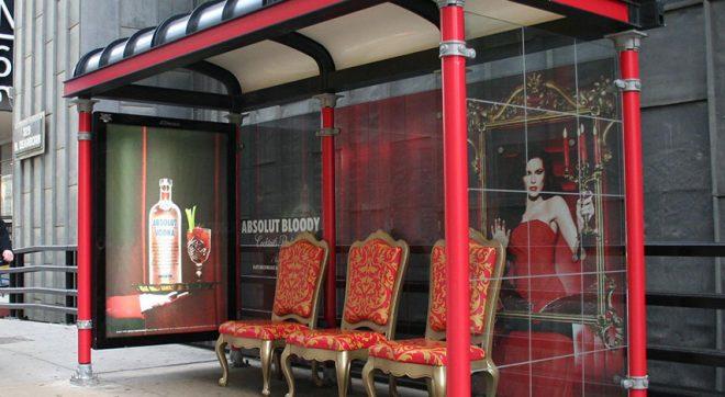 What is experience marketing? www.morethanmayo.com/wat-is-experience-marketing | Image: Absolut bloody, source: www.adsoftheworld.com