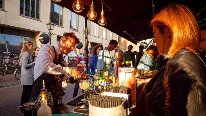 5 Redenen om events in te zetten in je marketingstrategie - www.morethanmayo.com/5-redenen-events-marketingstrategie | image: Drinks @ Event Street 2018 - source: www.flickfeeder.com