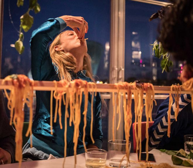 Experience review: A la mano food experience - www.morethanmayo.com/a-la-mano-food-experience | image: spaghetti by hand - copyright: Anisa Xhomaqi, source: mediamatic.net